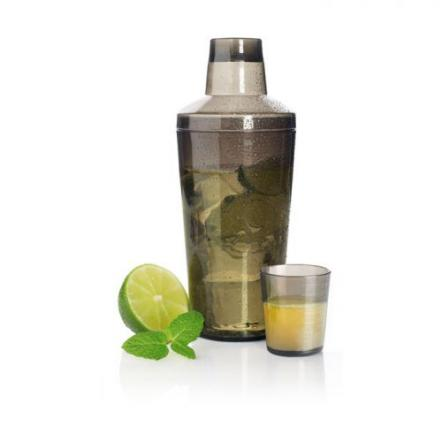 Plastic cocktail shaker