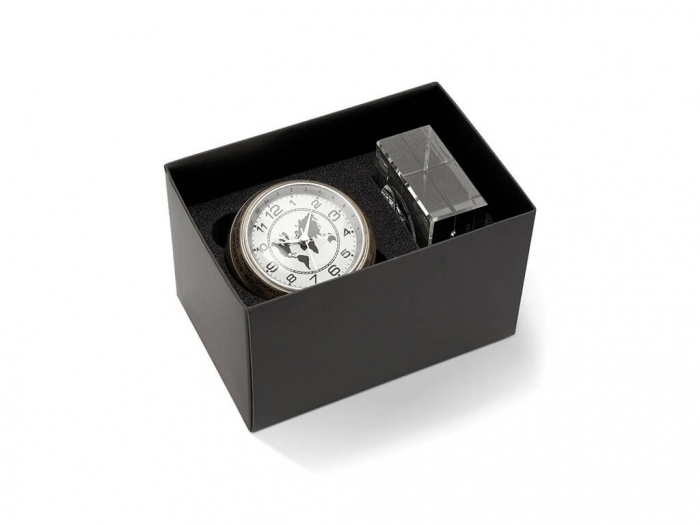 Ball shaped analogue desk clock