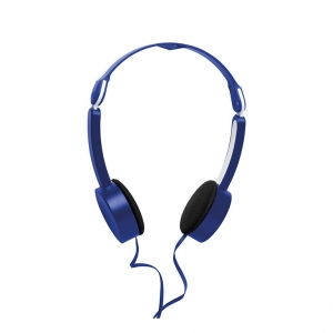 Foldable headphone in pouch
